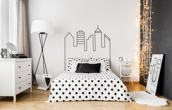 decorate above the bed